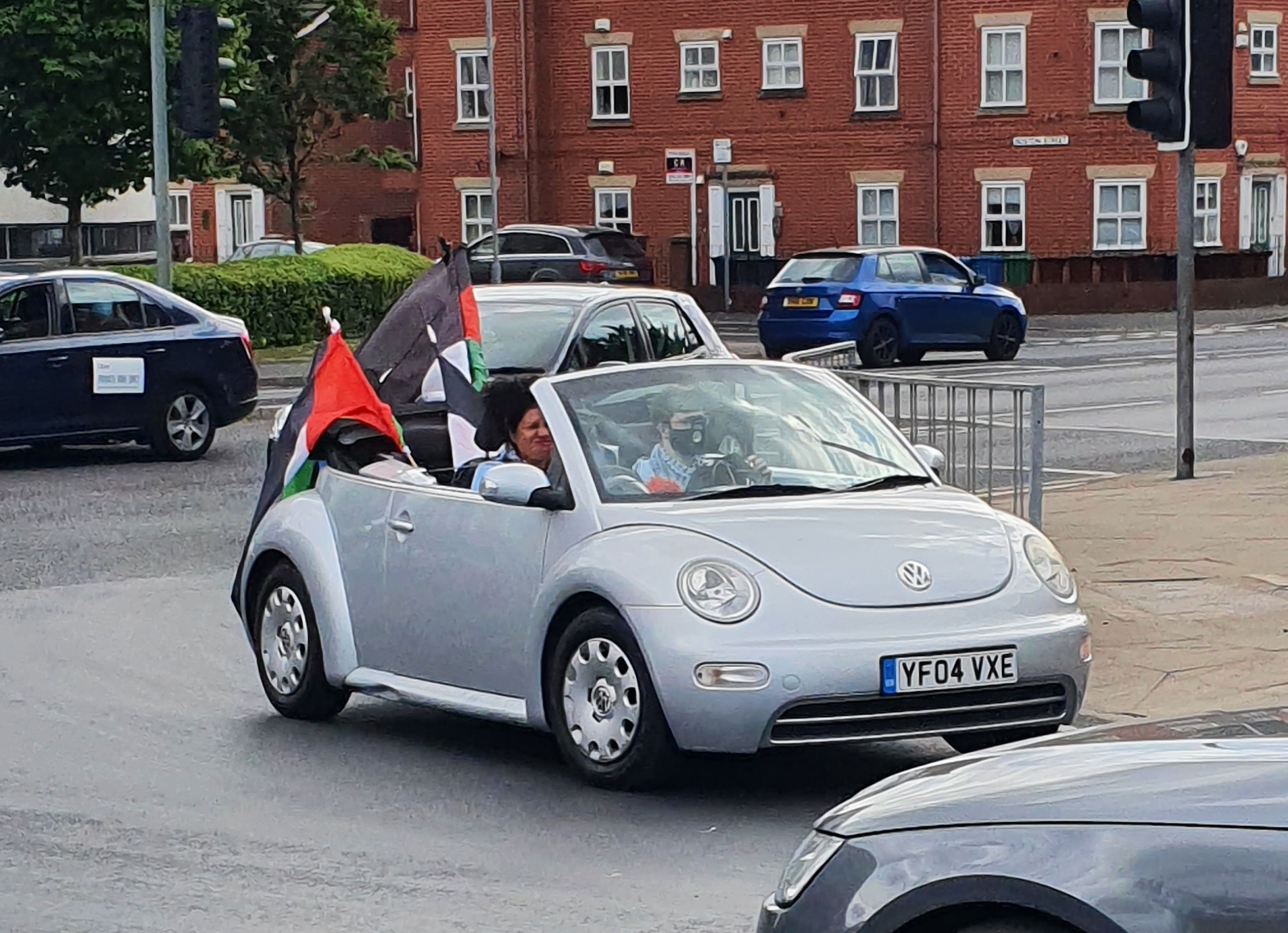 Motorists showing their support for the march